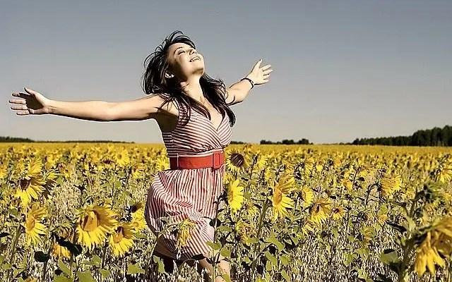 Cómo cambiar tus emociones cuando quieras y sentirte bien en cuestión de minutos