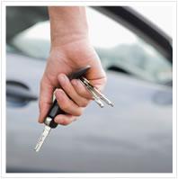 Auto atslēgas rokā