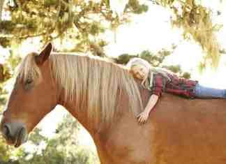 Devojcica na konju, terapija životinjama
