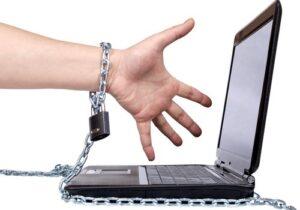 Sosyal Medyadan Uzak Kalamamanızın Sebebi FOMO Olabilir Mi? sosyal medyadan uzak kalamamanızın sebebi fomo olabilir mi? - tekno sayfa 5 300x210 - Sosyal Medyadan Uzak Kalamamanızın Sebebi FOMO Olabilir Mi?