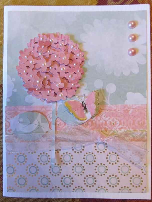 Hydrangea Card - The Walk In My Garden Cricut Cartridge has flowers, ladybugs, bees, garden critters and tools and so much more. It make great greeting cards and outdoor themed scrapbook pages and Cricut Projects.