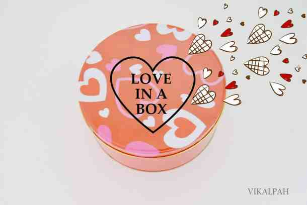 Love In A Box Valentine's Day Gift - Valentine's Day Paper Crafts are fun and easy. If you're a card maker or scrapbooker, you probably have all the supplies you need to get started with these paper crafting projects. There are clever handmade cards with secret messages, Valentine's Day Games for the kids, and home decor. I need to try some of these!