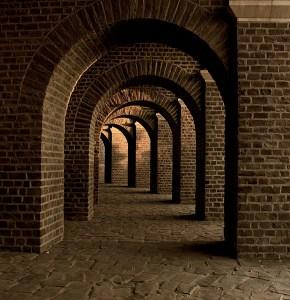 vaulted-cellar-258906_1920