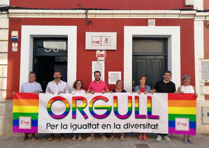 PSOE Maó dóna es suma al dia Internacional LGTBI