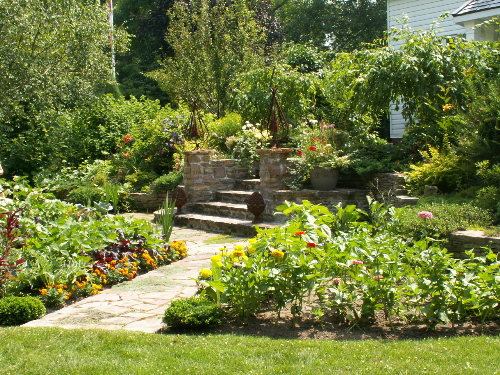 homegrown edible landscaping company