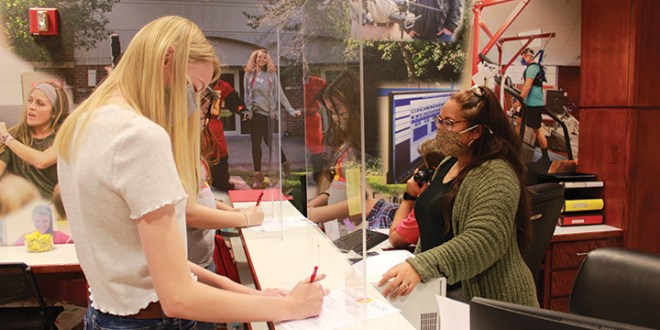 Office of Admissions looking for student ambassadors