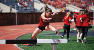 Women's track and field team competes in Gorilla Classic