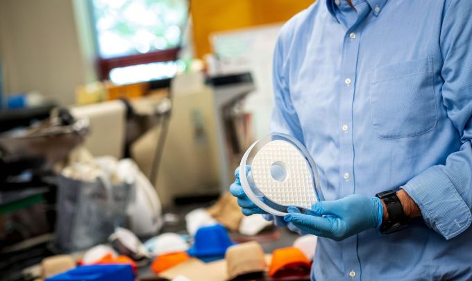 Canadian researchers develop biodegradable medical mask for COVID-19