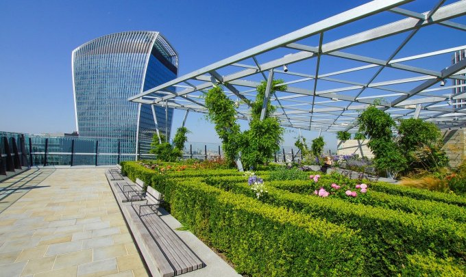 Urban greening to fight climate change within the Green New Deal context