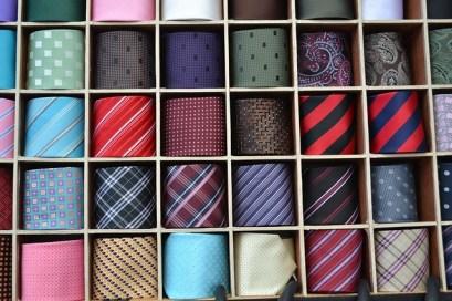 les toc: une maladie de l'ordre (cravates rangées)