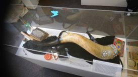 Magicians drinking horn and vaporizer