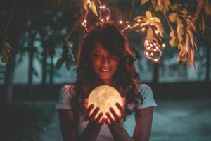 Differentiating between real and fake psychics