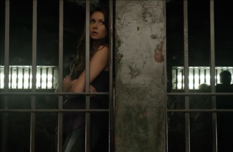 vampire diaries episode 9 elena-cell