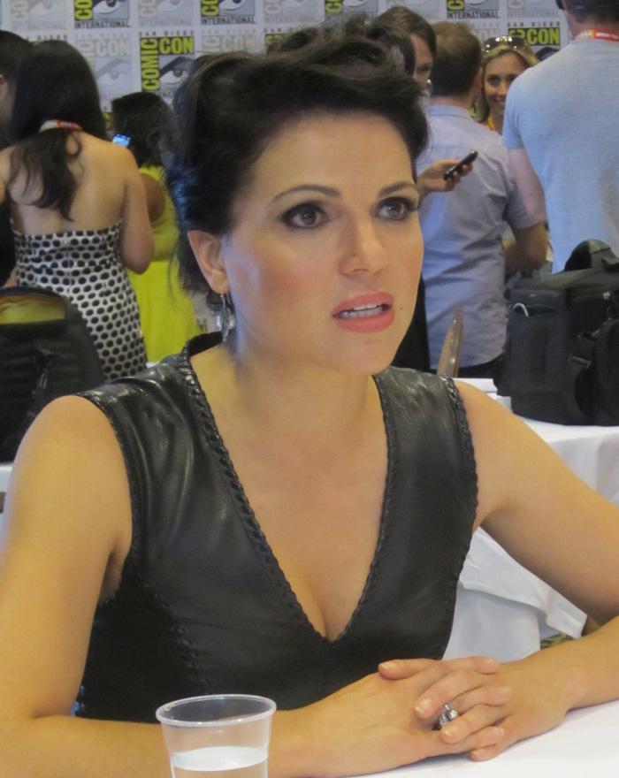 LanaParrilla--Regina