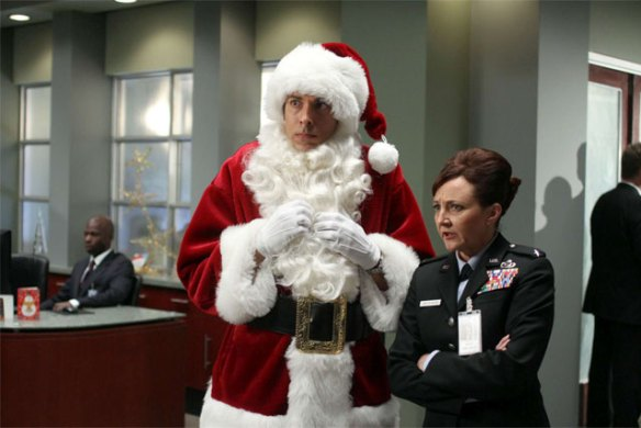 Bonita-Friedericy-and-Zachary-Levi-in-CHUCK-Episode-5.07-Chuck-Versus-the-Santa-Suit-4