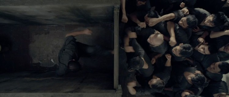 Raid2-bathroom-stall