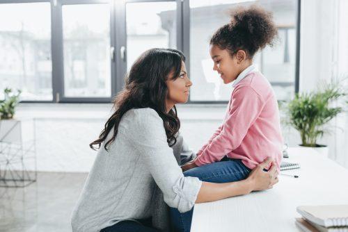 Praat op ooghoogte met je kind - luisteren