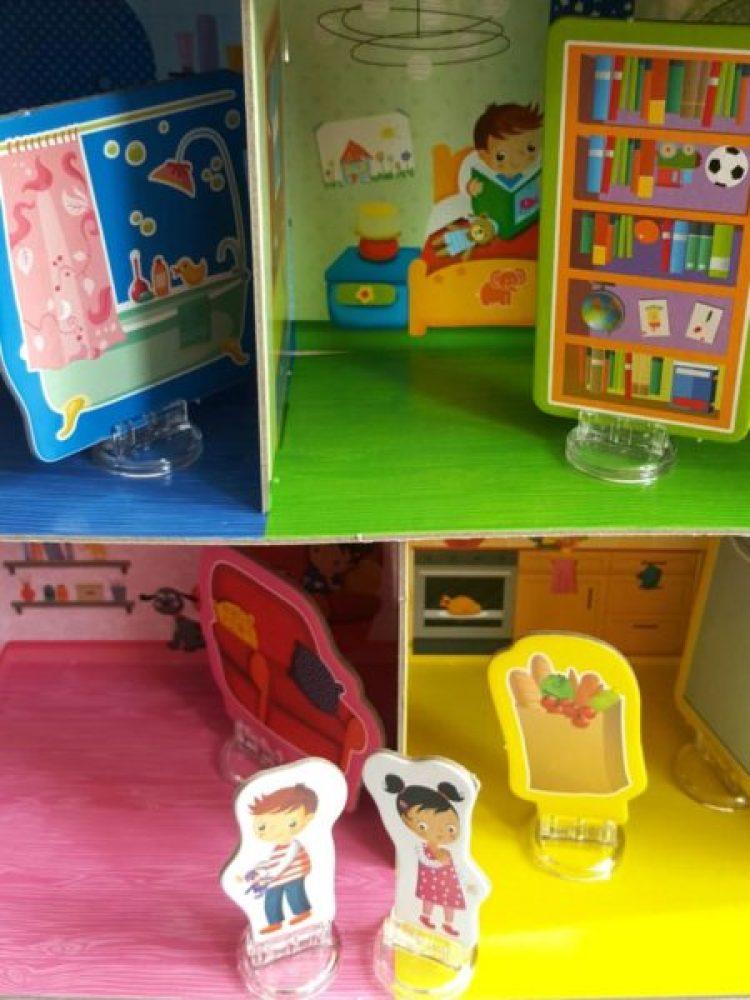 20191005_124308415027674-1024x630 Pomysł na prezent: Mój dom – zabawa edukacyjna opracowana na podstawie metody Montessori 3-6 od LISCIANI