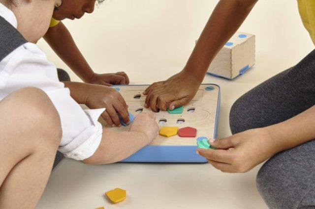 Jouets en bois dans la méthode Montessori 3