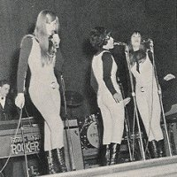 THE SHANGRI-LAS - Leading The Pack With A Shout