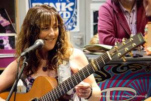 Carrie Martin in concert
