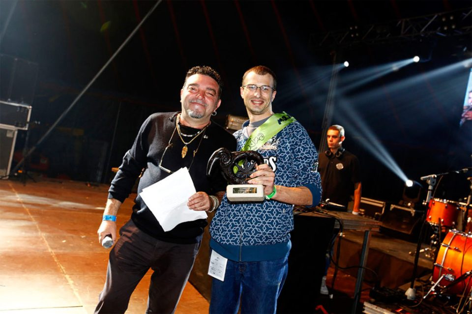 1.Charly Sensi receiving the Best Seed Company Award on behalf of Sensi Seeds at ExpoGrow 2015