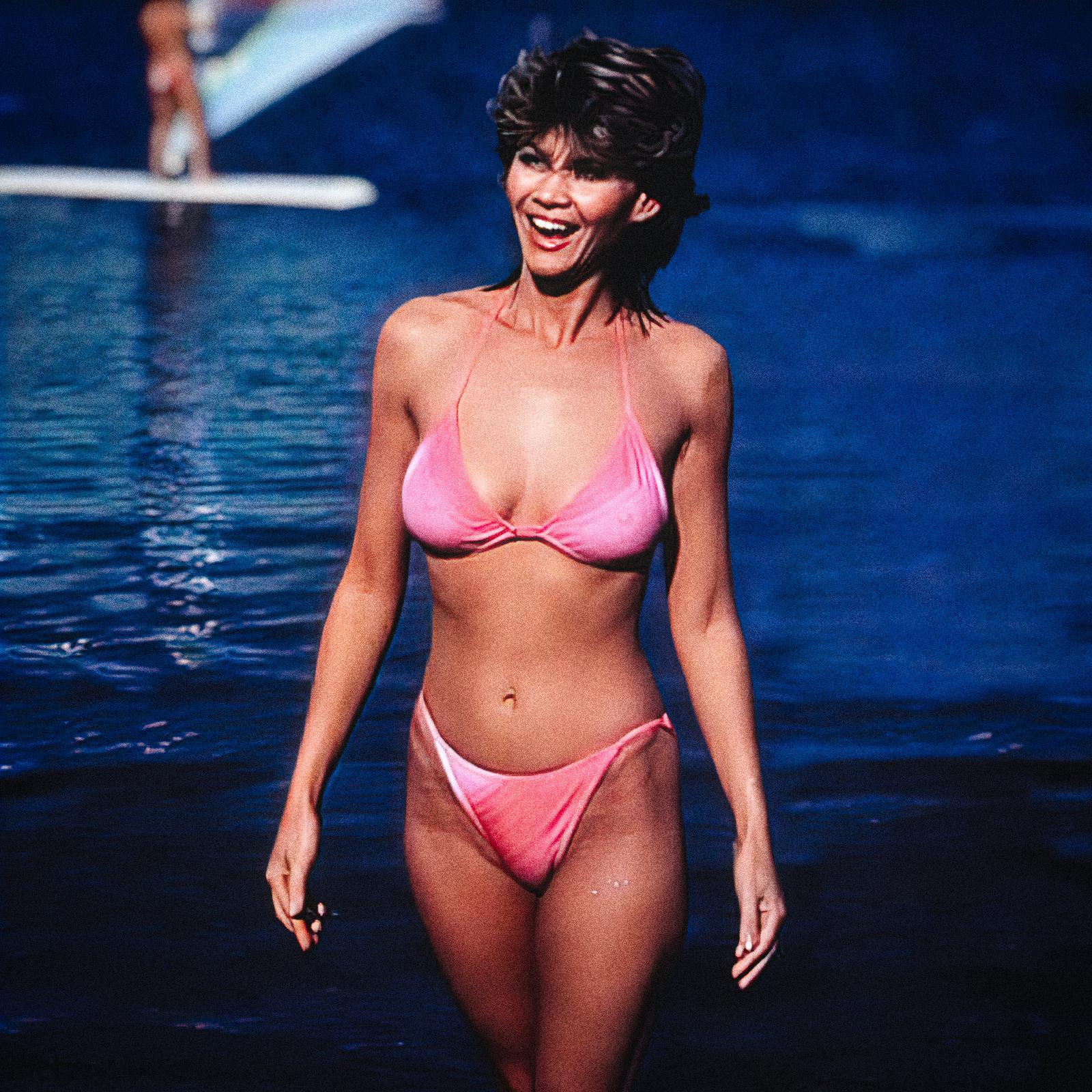 markie-post-hot-bikini-fall-guy-very_compressed-width-1600px.jpg