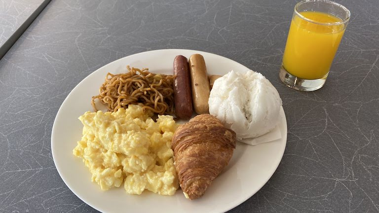ibis KL 朝食