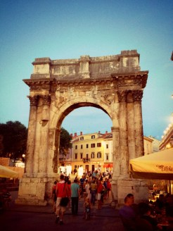 Pula, Croácia. Por Packing my Suitcase.