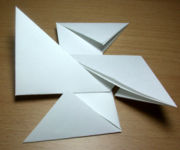 [Imagem: 180px-Origami_shuriken12.jpg]