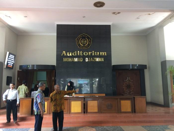 Auditorium Mohamad Djazman tempat acara penyambutan rombongan FKIP UMTAS