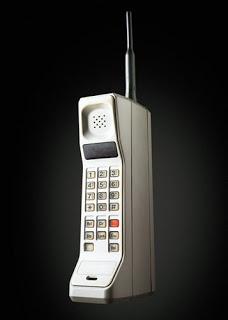 Perkembangan Telepon Seluler dari Generasi Pertama sampai