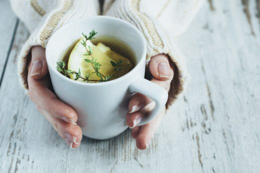 los beneficios que ofrecen los tés de hierbas