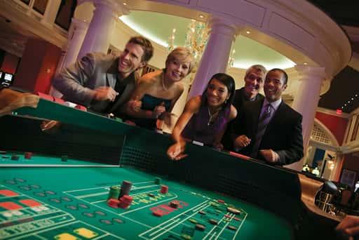 臨場感のあるオンラインギャンブルで気分は本場感覚!