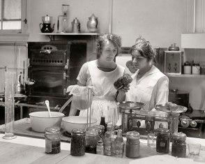 vintage-canning-1930s