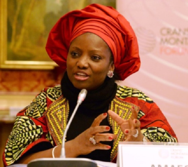 Amaechi's wife begs women to pray for her husband
