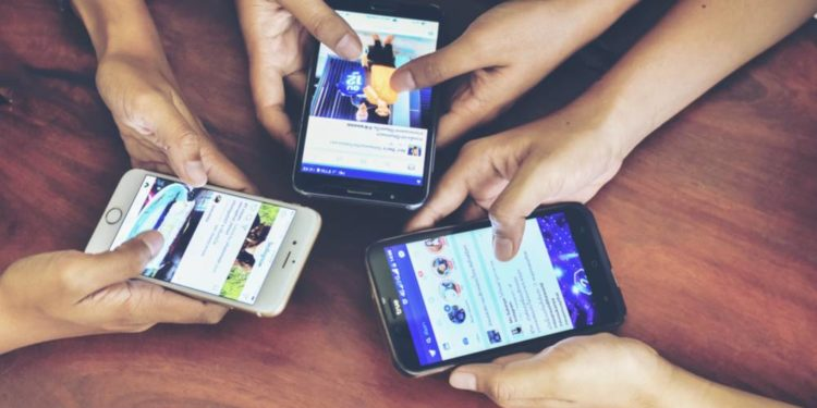 'Social media addicts susceptible to mental health challenges'