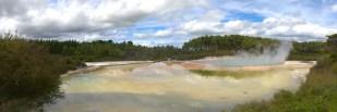Regenbogen Pool