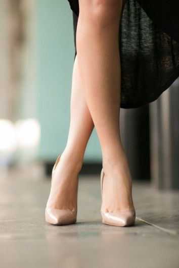 nude legs crossed