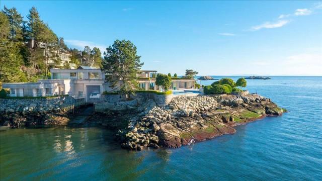 colored kitchen islands faucet kohler 太美了 来看看加拿大最贵的15幢豪宅长啥样? - 地产瞭望 温哥华港湾