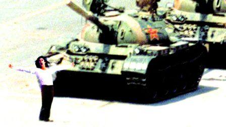 北京演出驚現六四坦克人 聽見1.5萬人倒吸一口涼氣 - 萬維讀者網