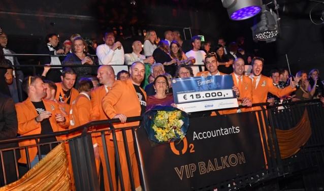 Eerste Everybody Famous Levert 15000 Euro Op  De Stem
