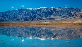 Flooding Creates a 10-Mile-Long Lake in Death Valley image