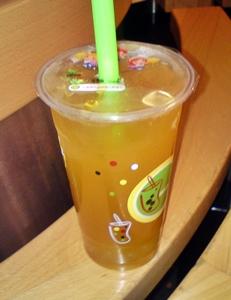Orangener Tee