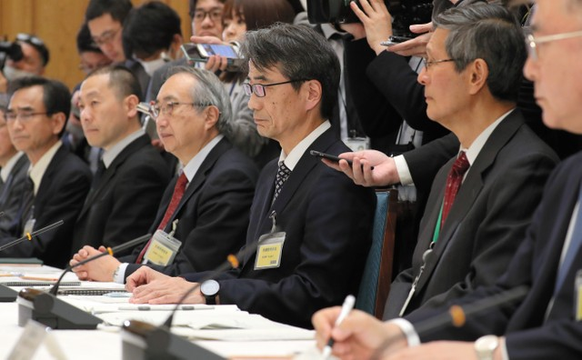 專家會議公布新型肺炎就醫標準 「發燒37.5度4天以上」等:朝日新聞中文網