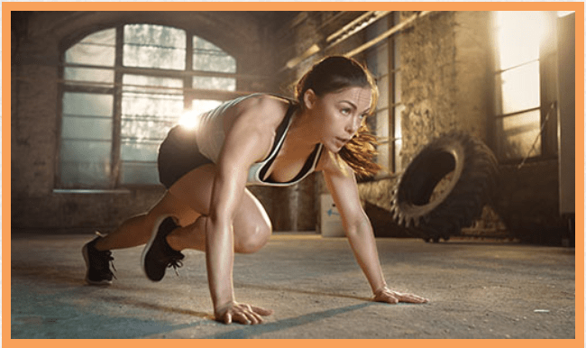 girl doing mountain climber exercise