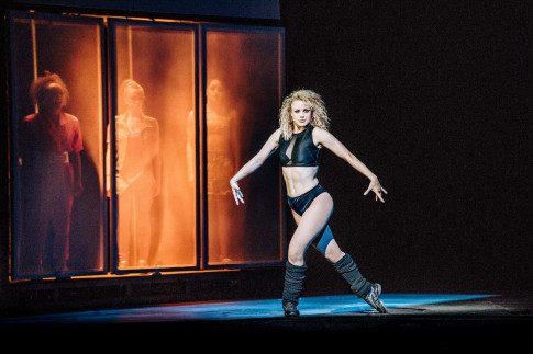 FLASHDANCE - Touring ★★★