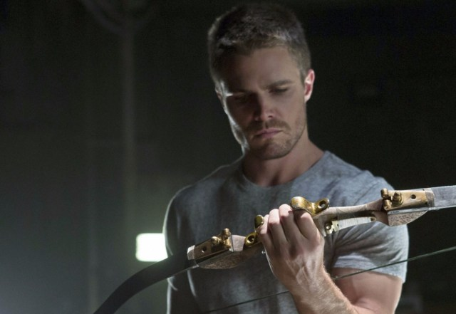 Arrow`s Stephen Amell Will Compete on American Ninja Warrior