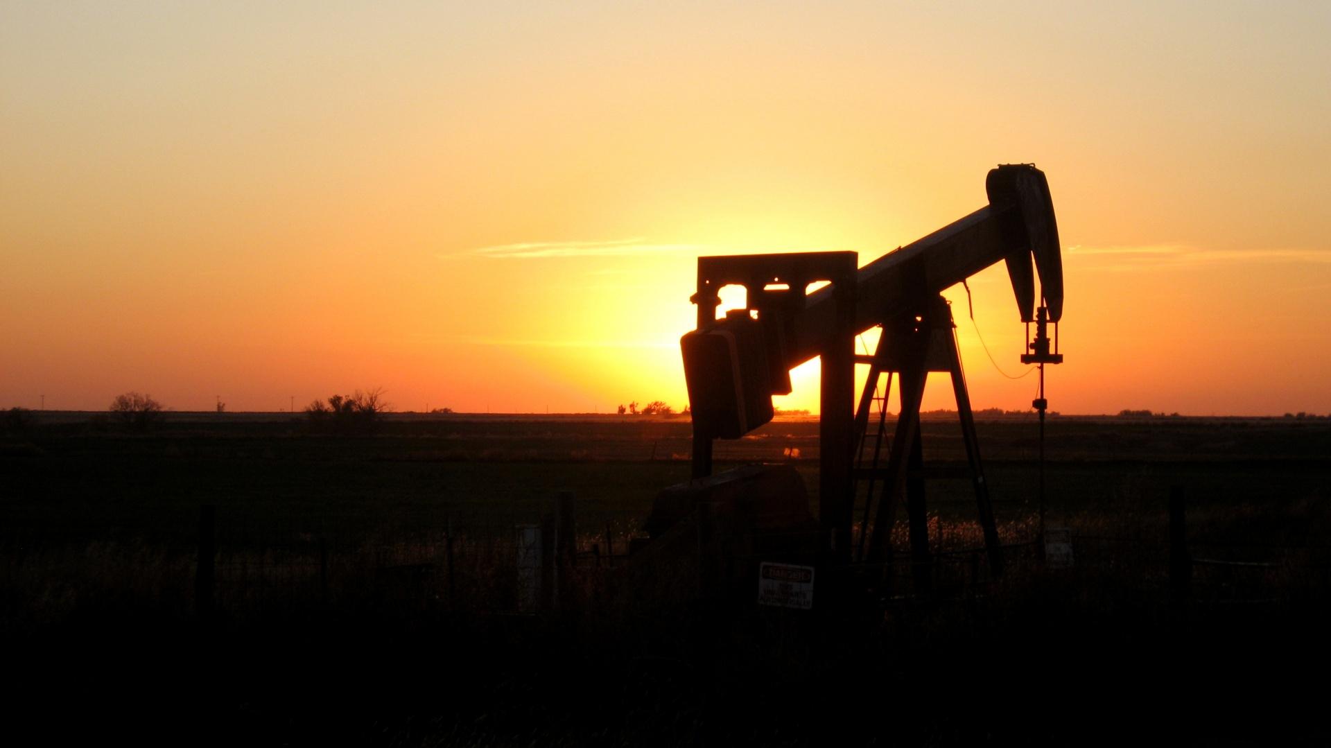 Oklahoma Sunset Oil Rig Free Stock Photo Public Domain