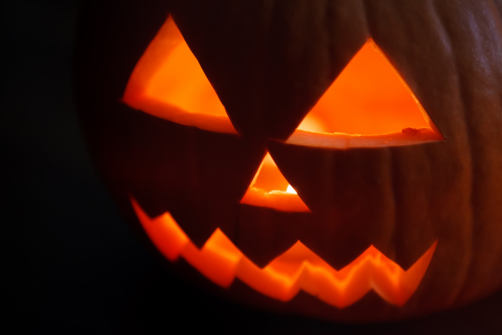 Fall Wallpaper Note 8 Jack O Lantern In The Dark Free Stock Photo Public